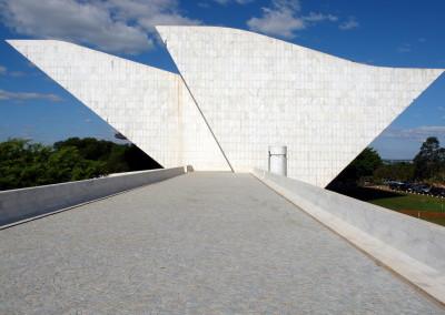 0484brasilia_muzeum_statuBR