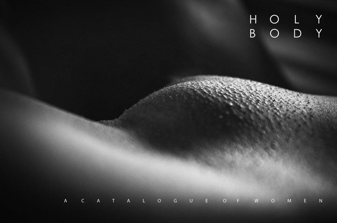 Obálka fotografické knihy Holy Body